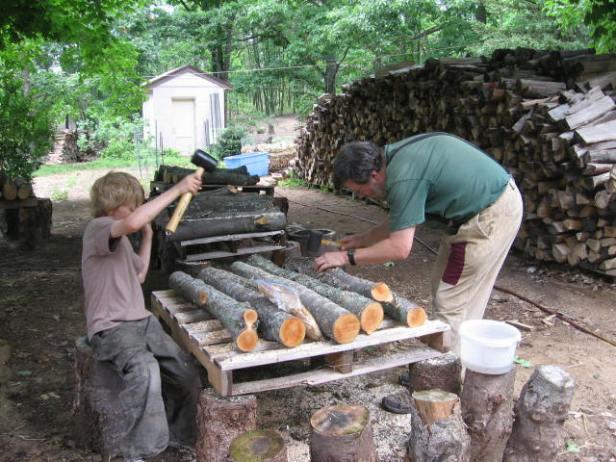 making mushroom logs