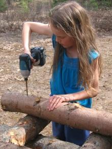 Drilling mushroom logs
